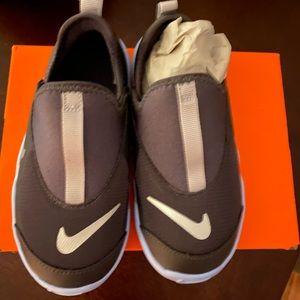 Nike toddler boy  SNEAKERS NWT